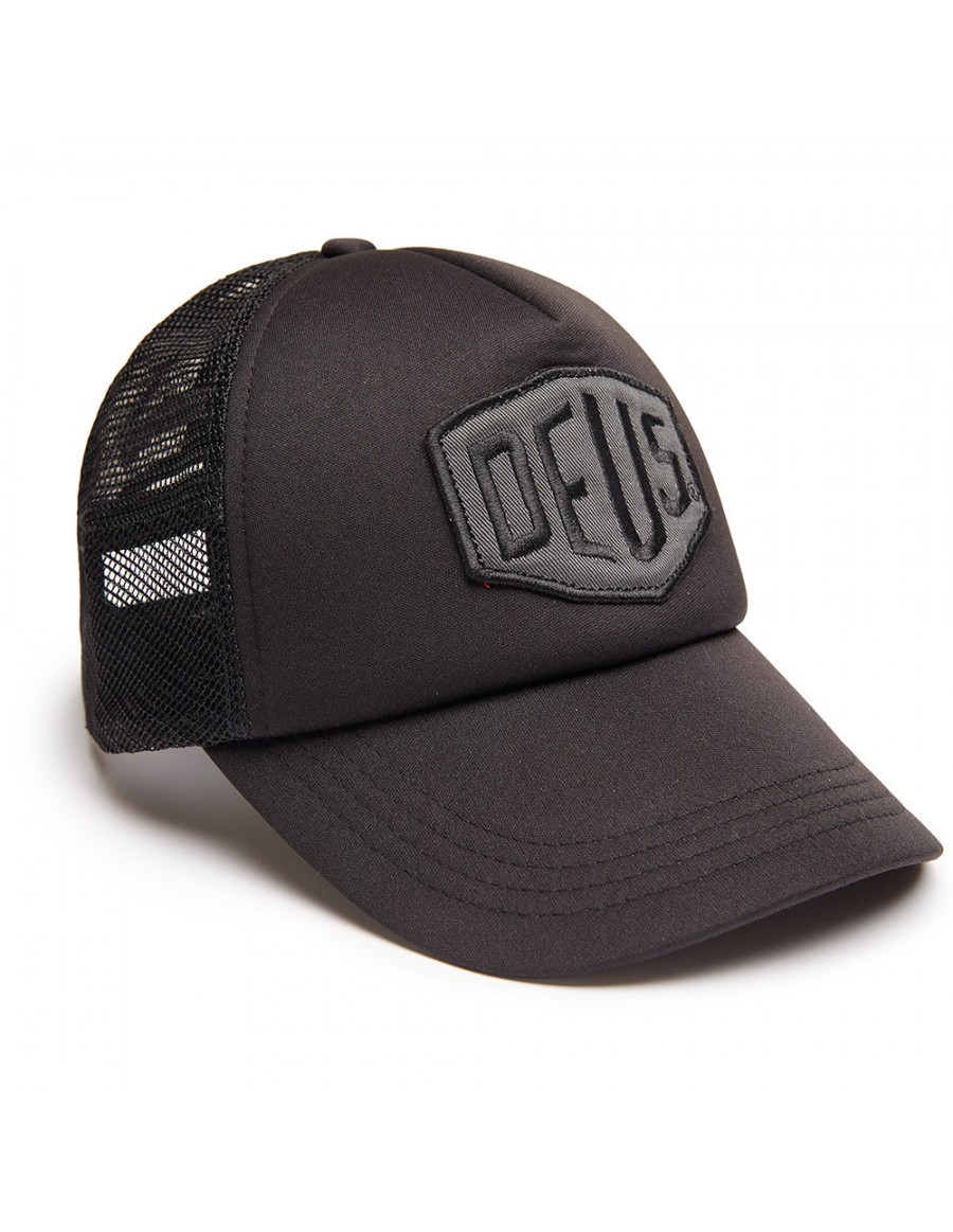 DEUS Trucker Kappe Colour Shield - black